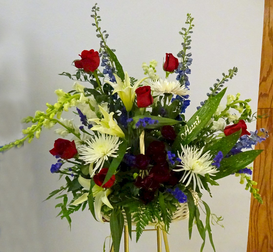 "Flowers from ""Aunt"" - The Schoniger Family - Mike & Janet, Beth & Mel, Mary Lynn & Tracy, Bruce & Ann, and Families"